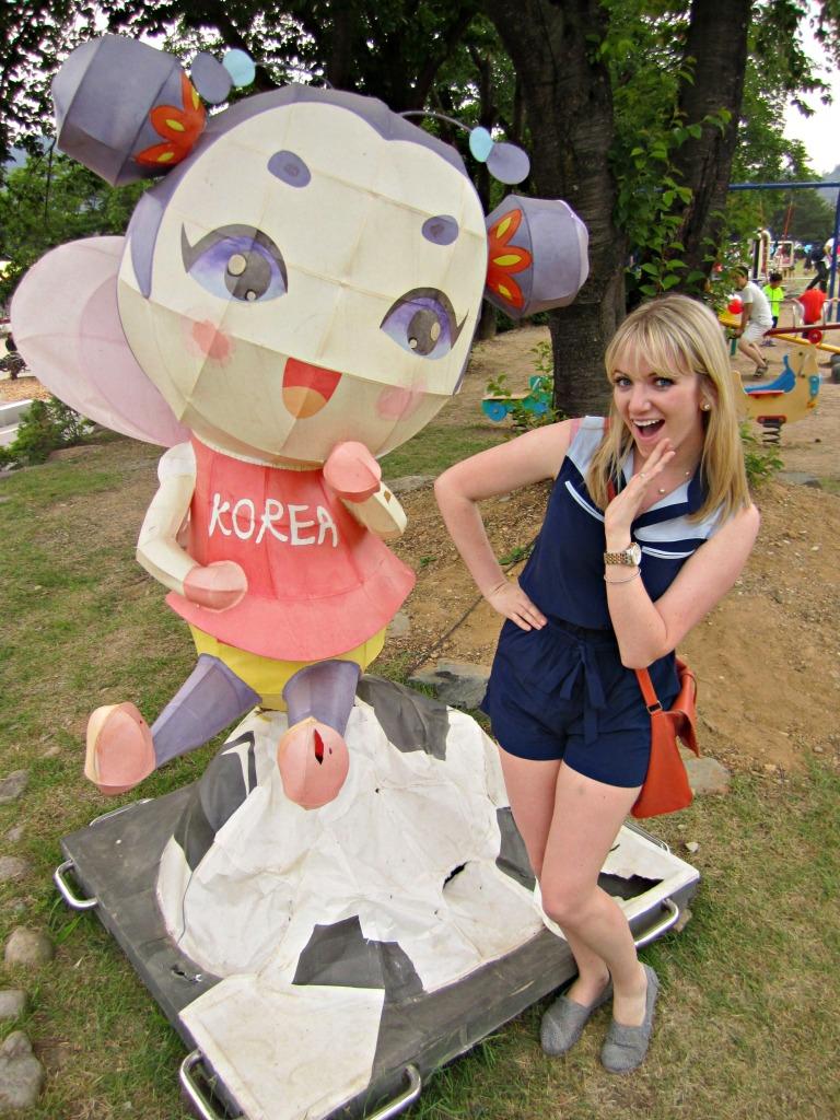 five_spring_festivals_south_korea_muju_firefly