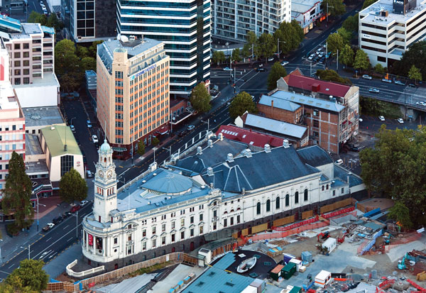 aucklandNZ_townhall_credit-cc-Russell-Street