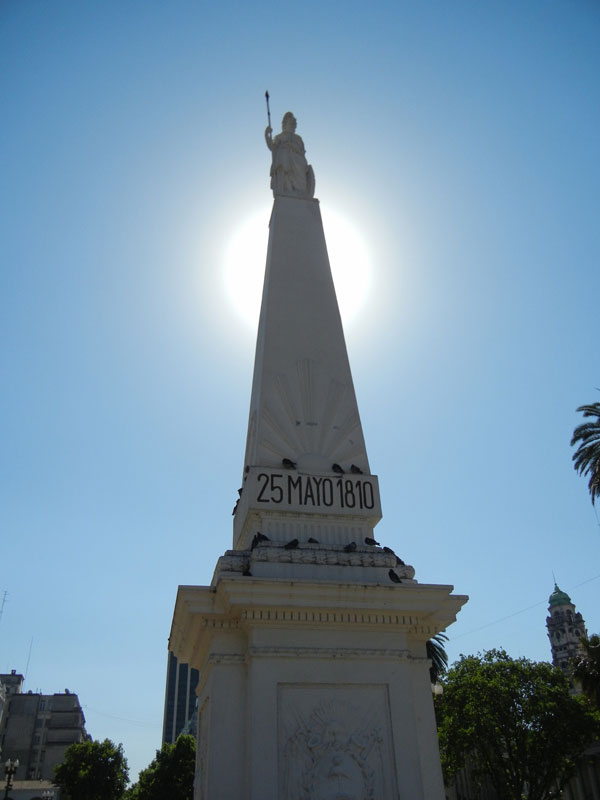 BuenosAires.Argentina.2011.Monumento_deMayo
