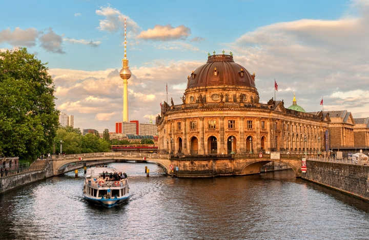 Berlin museum island (shutterstock)