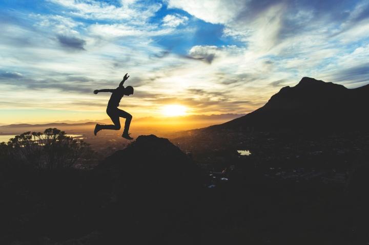 Man jumping silhouette (Unsplash) - Joshua Earle