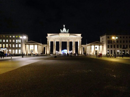 germany.berlin.fall2014.tales_of_the_city.brandenburg_nights.daniel_fitzgerald