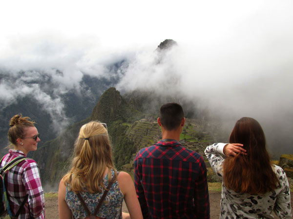 peru.aguas_calientes.fall2014.gangs_all_here.machu_picchu.kelly__bast