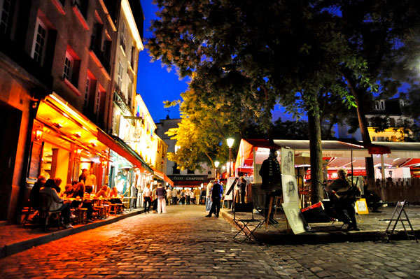 Paris.France.2011.Crowded_Streets