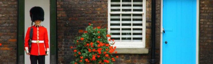 london-england-2011-god_save_the_english_guards-kellywraycoleman3