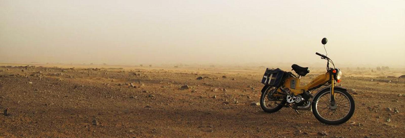 morocco-sahara_desert-fall2014-artistic_eye-bikes_in_the_desert-land_le_coq