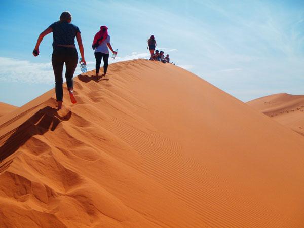 morocco-sahara_desert-fall2014-artistic_eye-the_climb-marissa_kozma
