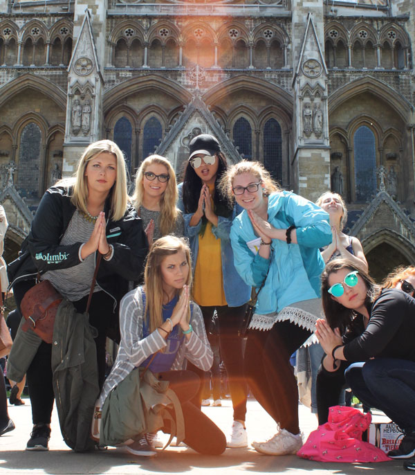 kingston_students-_westminster_abbey